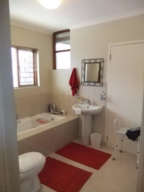 Property For Sale in Fish Hoek, Cape Town 23
